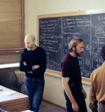 École_de_Physique_des_Houches_(Les_Houches_Physics_School)_main_lecture_hall_1972
